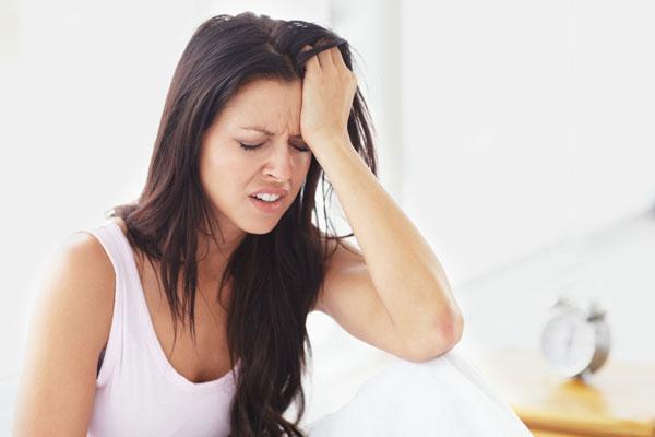 Các triệu chứng của bệnh đau đầu mất ngủ 2